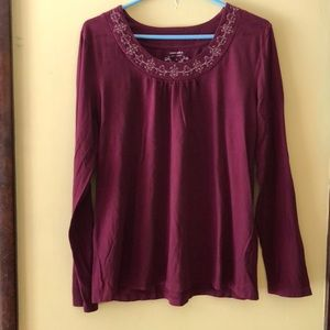 Women's burgundy casual long sleeve top